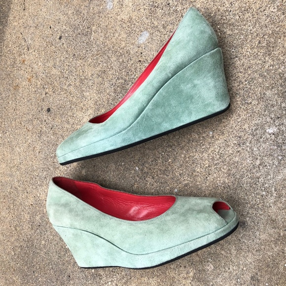 rouge shoes